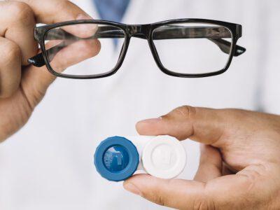 Okulary czy soczewki? Jak korygować wzrok w czasie epidemii
